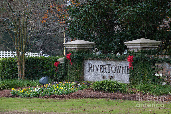 Photograph - Rivertowne by Dale Powell
