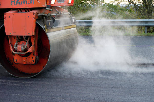 Wall Art - Photograph - Road-laying Roller by Dehez/reporters/science Photo Library