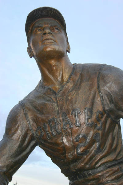 National Baseball Hall Of Fame Photograph - Roberto Clemente by Sandy Fraser