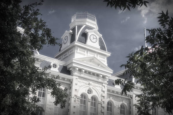 Photograph - Robertson County Courthouse by Joan Carroll