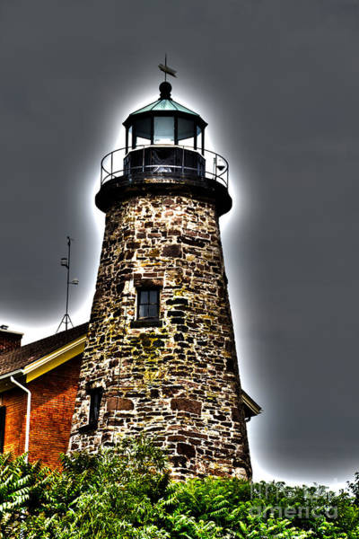 Photograph - Rochester Lighthouse by William Norton