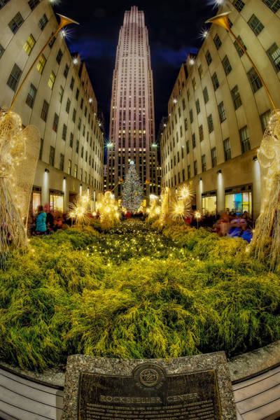 Photograph - Rockefeller Center Christmas Tree Nyc by Susan Candelario