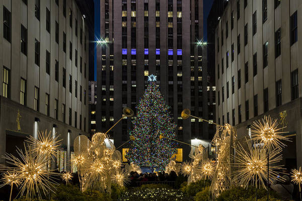 Photograph - Rockefeller Center Christmas Tree by Susan Candelario