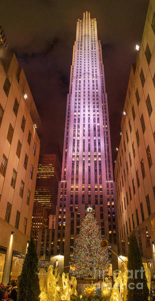 Photograph - Rockefeller Plaza On Christmas Eve by Rima Biswas