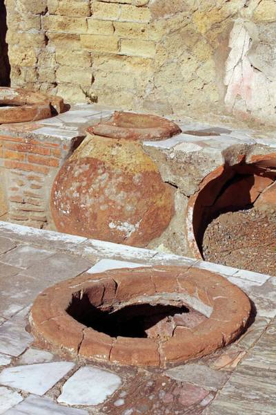 Wall Art - Photograph - Roman Oven by Tony Craddock/science Photo Library