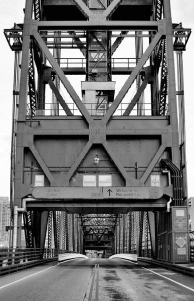 Roosevelt Island Wall Art - Photograph - Roosevelt Island Bridge Bw by JC Findley
