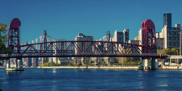 Roosevelt Island Wall Art - Photograph - Roosevelt Island Bridge, Ny, Ny by Panoramic Images