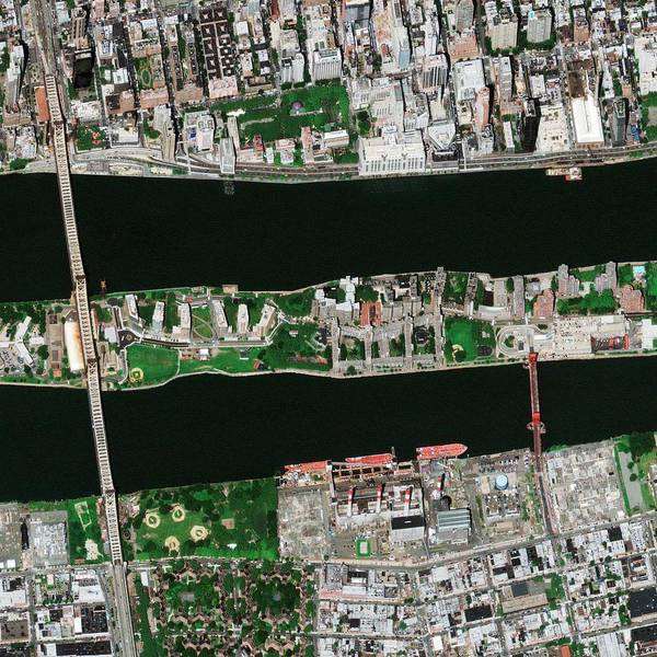 Roosevelt Island Wall Art - Photograph - Roosevelt Island Bridges by Geoeye/science Photo Library