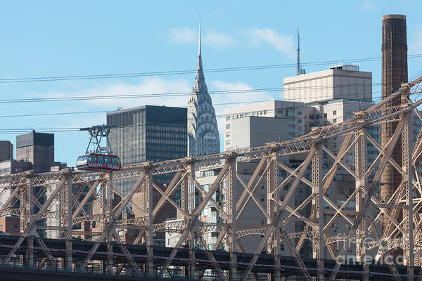 Aerial Tramway Wall Art - Photograph - Roosevelt Island Tram And Manhattan Skyline I by Clarence Holmes