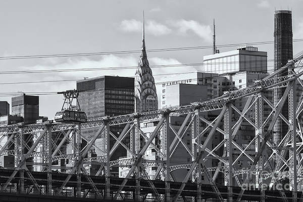 Roosevelt Island Wall Art - Photograph - Roosevelt Island Tram And Manhattan Skyline II by Clarence Holmes