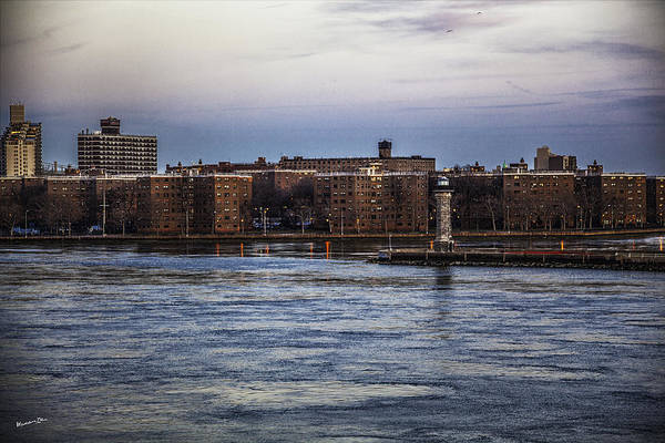 Roosevelt Island Wall Art - Photograph - Roosevelt Island View - Nyc by Madeline Ellis