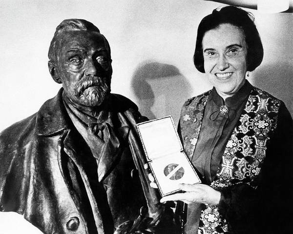 Nobel Wall Art - Photograph - Rosalyn Yalow With Her 1977 Nobel Prize by Emilio Segre Visual Archives/american Institute Of Physics