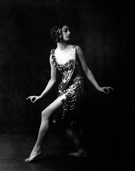 1921 Photograph - Rose Rolando Posing by Arnold Genthe