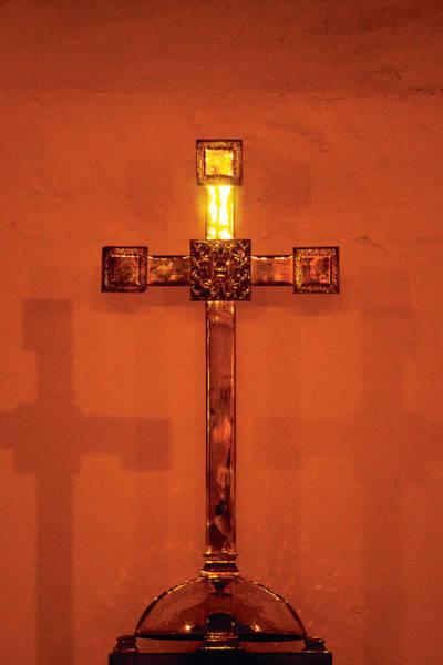 Digital Art - Rouge Cross by David Davies