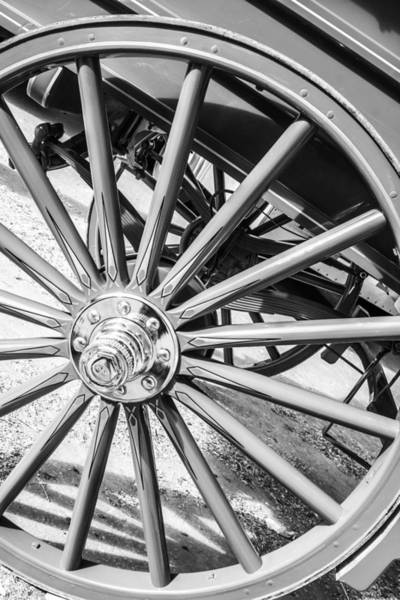 Photograph - Round And Round by Colleen Coccia