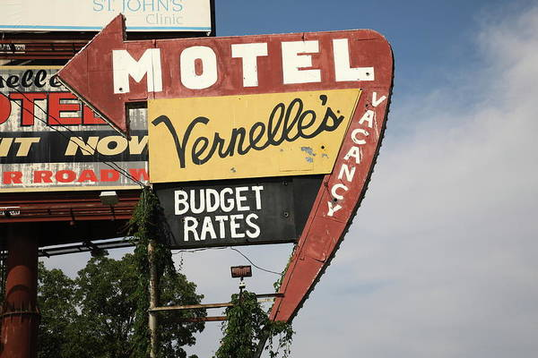 Photograph - Route 66 - Vernelle's Motel by Frank Romeo