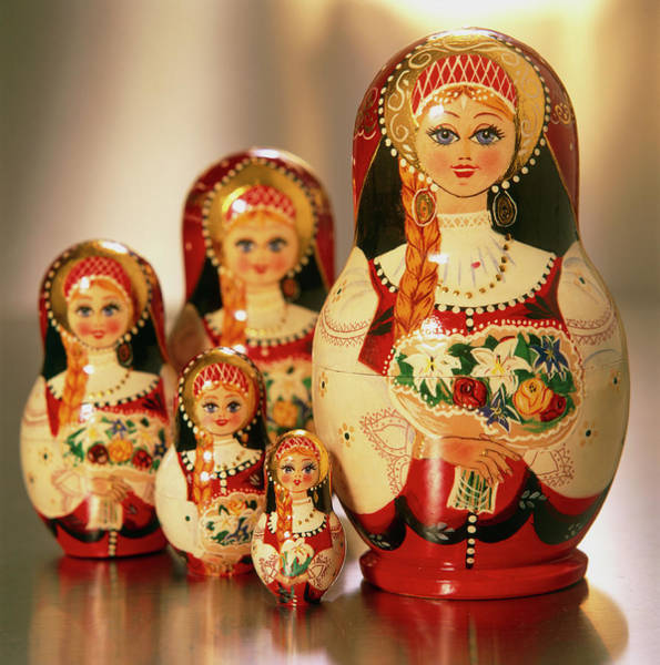 Nesting Photograph - Russian Dolls by Mark Thomas/science Photo Library