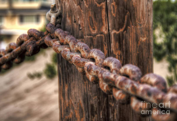 Photograph - Rusted Chain by Eddie Yerkish