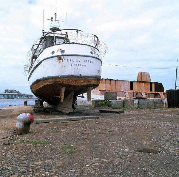Dry Dock Photograph - Rusting Boat by Robert Brook/science Photo Library