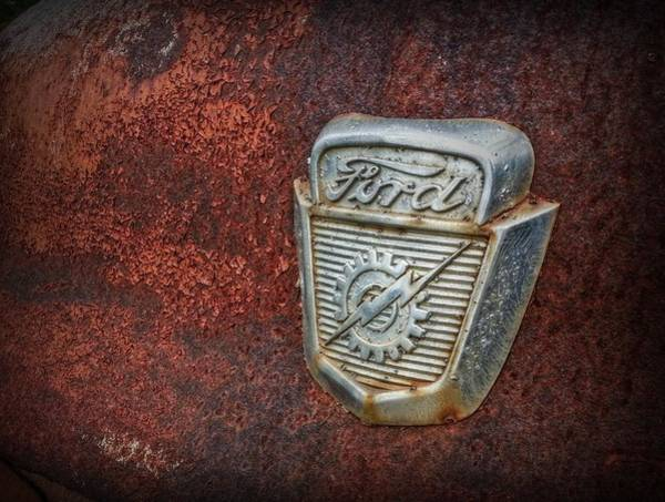 Pick Up Truck Digital Art - Rusty Ford by Linda Unger
