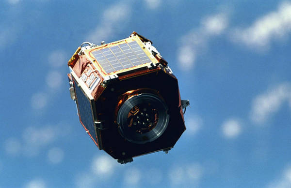 Endeavour Photograph - Sac-a Satellite by Nasa/science Photo Library