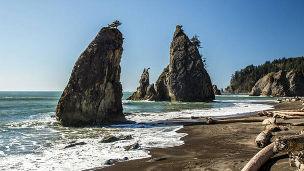 Photograph - Sae Stacks On Rialto Beach by Pierre Leclerc Photography