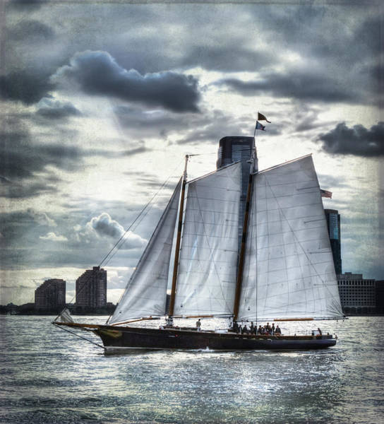 Sailing On The Hudson Art Print