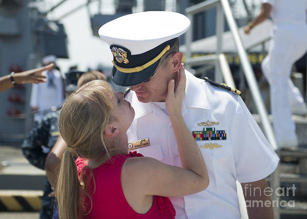 Norfolk Naval Station Wall Art - Photograph - Sailor Says Goodbye To His Wife Prior by Stocktrek Images