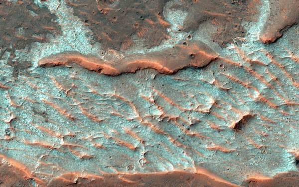 Wall Art - Photograph - Salt Deposits On Mars by Nasa/jpl-caltech/university Of Arizona/science Photo Library