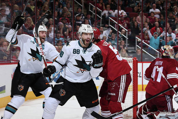 Scoring Photograph - San Jose Sharks V Phoenix Coyotes by Christian Petersen