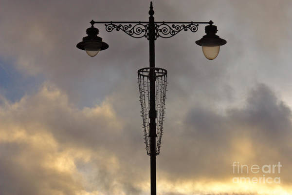 Photograph - Sandown Streetlight by Jeremy Hayden