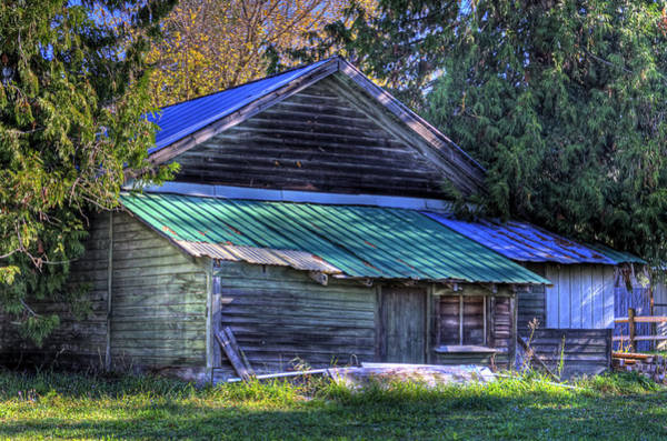 Photograph - Sandpoint Shed by Lee Santa