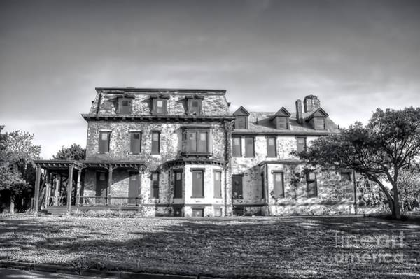 Photograph - Sandy Hook Mansion by Jim Lepard