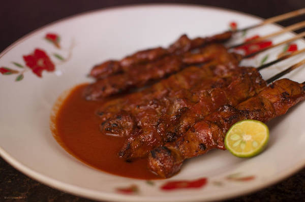 Photograph - Sate Ayam by Miguel Winterpacht