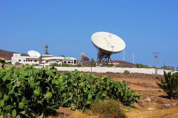 Satellite Dish Photograph - Satellite Earth Station. by Mark Williamson/science Photo Library