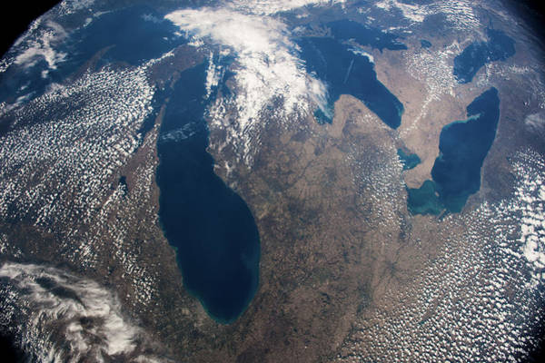 Iss Photograph - Satellite View Of Great Lakes by Panoramic Images