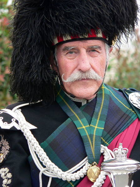 Photograph - Scotsman In Regalia by Jeff Lowe