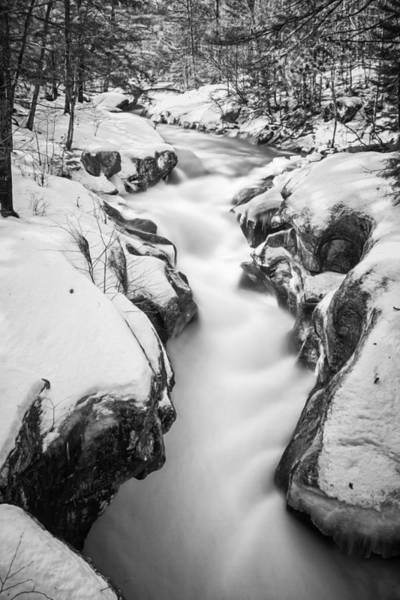 Photograph - Sculptured Rocks Swells by Robert Clifford