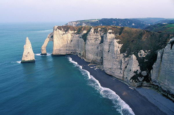 Etretat Photograph - Sea Stack And Arch by Pascal Goetgheluck/science Photo Library