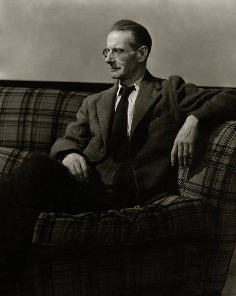 Eyewear Photograph - Sean O'casey Sitting On A Sofa by Lusha Nelson