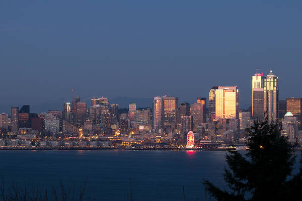 Photograph - Seattle Bathed In Gold by E Faithe Lester