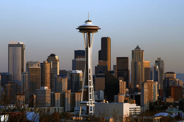 University Of Washington Wall Art - Photograph - Seattle Skyline by Mel Ashar