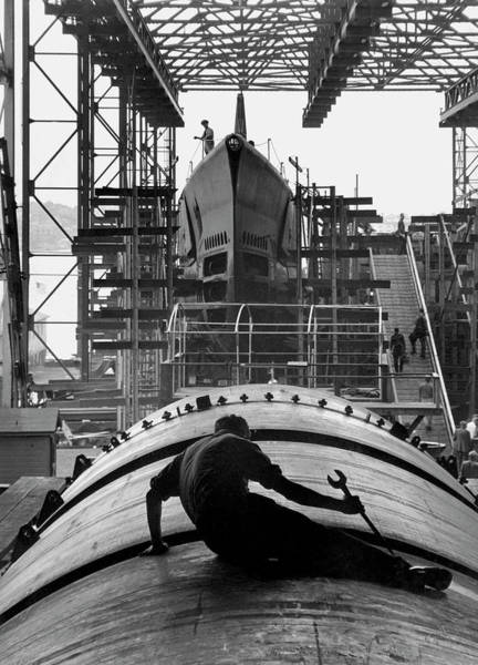 Wall Art - Photograph - Second World War Submarine Production by Us Army/science Photo Library