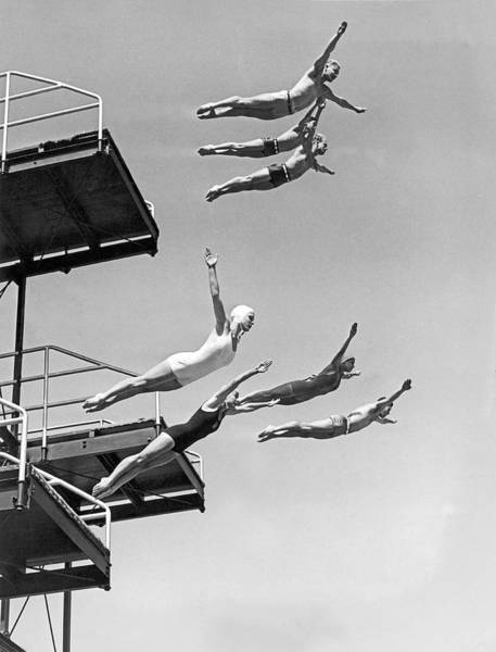 Swimming Pool Wall Art - Photograph - Seven Champion Diving In La by Underwood Archives