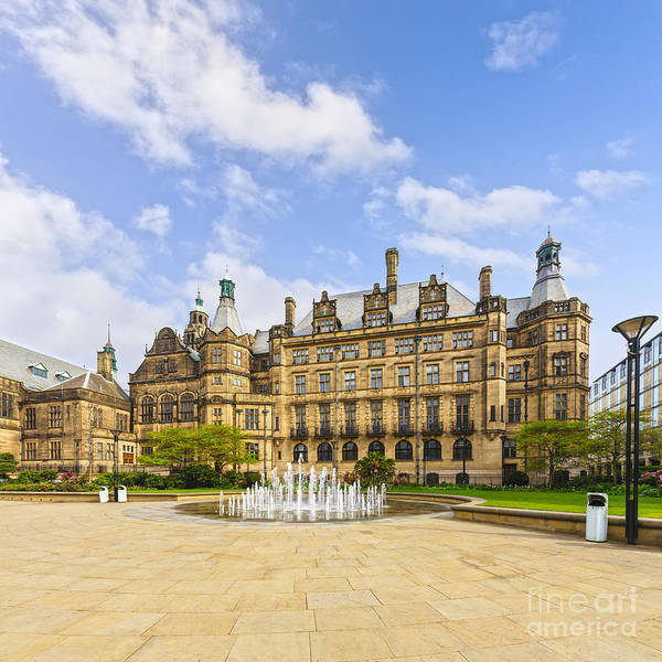 Bin Wall Art - Photograph - Sheffield Town Hall And Fountain by Colin and Linda McKie