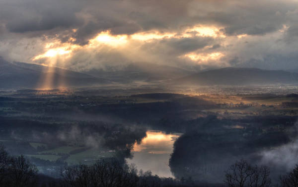 Photograph - Shenandoah Light by Lara Ellis