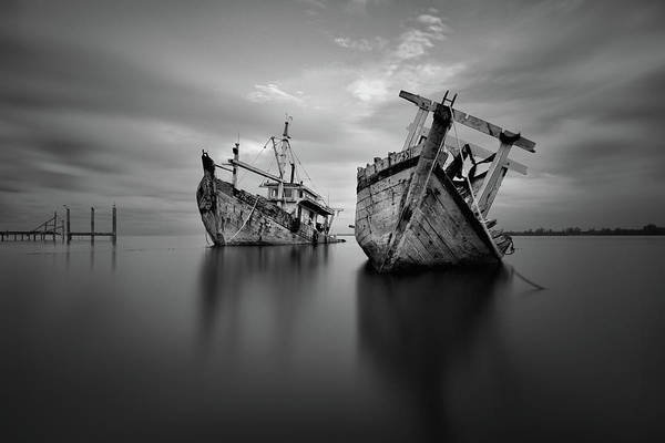 Wall Art - Photograph - Shipwreck by Abi Danial