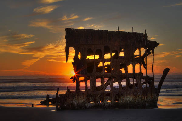 Astoria Wall Art - Photograph - Shipwreck Sunburst by Mark Kiver