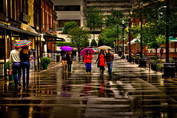 Photograph - Shopping In The Rain by David Patterson