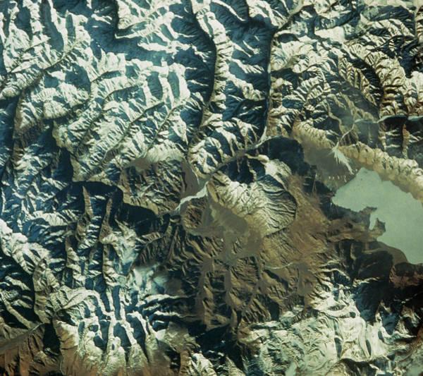 Himalaya Wall Art - Photograph - Shuttle View Of Himalaya Moutains by Nasa/science Photo Library